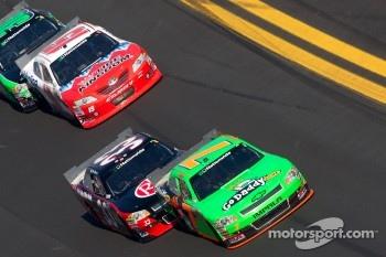 Danica Patrick, JR Motorsport Chevrolet, Clint Bowyer, Kevin Harvick Inc. Chevrolet