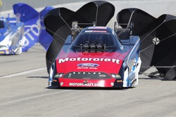 Bob Tasca III deploys the parachutes in his Motorcraft/Quick Lane Ford Mustang