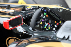 Lotus Renault GP, steering wheels