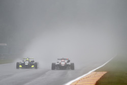 Alessio Lorandi, Carlin, Dallara F312 – Volkswagen; Niko Kari, Motopark, Dallara F312 - Volkswagen