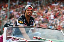 Карлос Сайнс мл., Scuderia Toro Rosso на параде пилотов
