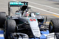 Победитель - Льюис Хэмилтон, Mercedes AMG F1 W07 Hybrid в закрытом парке