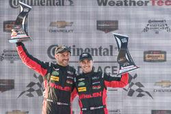 Overall podium: winnaars Eric Curran, Dane Cameron, Action Express Racing