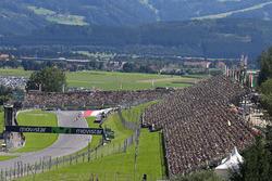 Acción de carrera en MotoGP