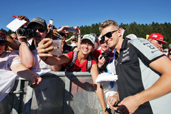 Nico Hulkenberg, Sahara Force India F1 with fans