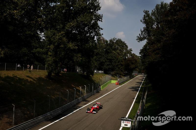 Monza tem como principais características as longas retas, seguidas de chicanes ou de curvas de alta velocidade. A exceção é a Curva 1 – que passaria por mudanças em 2017, mas permaneceu como estava.