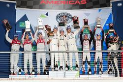 Подіум: переможці - Тімо Бернхард, Марк Веббер, Брендон Хартлі, Porsche Team, друге місце - Лукас ді Грассі, Лоік Дюваль, Олівер Джарвіс, Audi Sport Team Joest, третє місце - Стефан Сарразан, Камуі Кобаясі, Майк Конвей, Toyota Racing