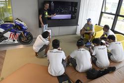 2e Yamaha VR46 Master Camp