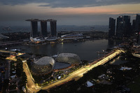 Marina Bay Street Circuit in Singapur am Abend