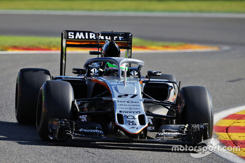 Force India VJM09, halo in teamkleuren