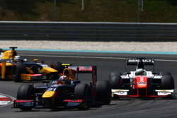 Pierre Gasly, PREMA Racing, Oliver Rowland, MP Motorsport