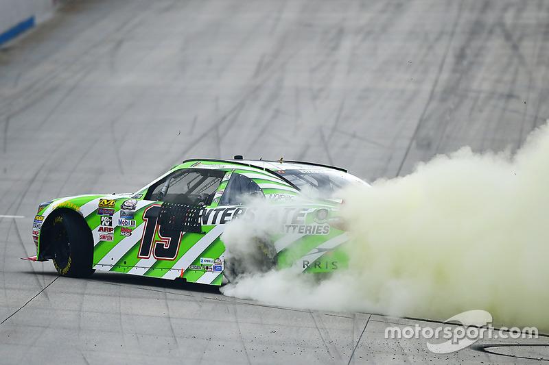 Ganador, Daniel Suárez, Joe Gibbs Racing Toyota