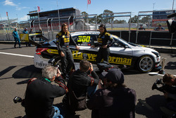 Simona de Silvestro ve Renee Gracie, Harvey Norman Supergirls Nissan