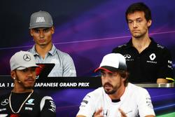 (L n. R): Pascal Wehrlein, Manor Racing und Jolyon Palmer, Renault Sport F1 Team in der FIA Pressekonferenz
