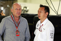 (L to R): Ron Dennis, McLaren Executive Chairman with Yusuke Hasegawa, Head of Honda F1 Programme