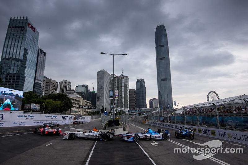 Третий сезон Формулы E открыла первая в истории электросерии гонка в Гонконге