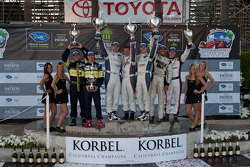 LMPC podium: class winners Gunnar Jeannette and Ricardo Gonzalez, second place Kyle Marcelli and Tomy Drissi, third place Eric Lux and Elton Julian