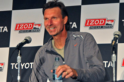 Baseball superstar turned photographer Randy Johnson addresses media