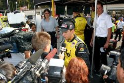 Interviews fo pole winner Justin Wilson