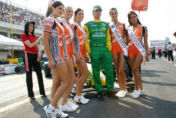 Will Power keeps his hands in his pockets