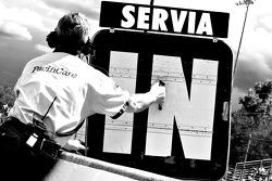 Oriol Servia's pitboard