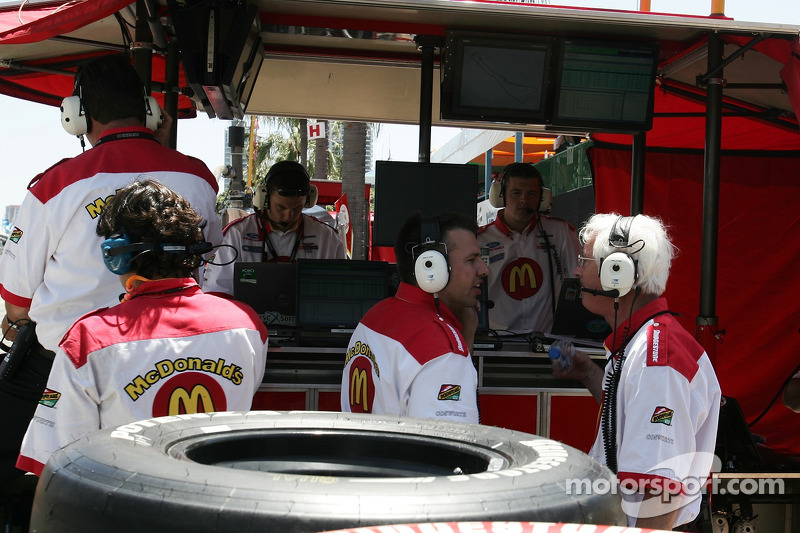Box des stands de Newman/Haas Racing
