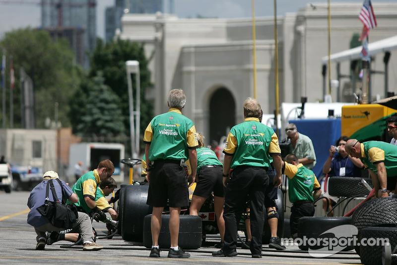 Entraînement d'arrêt au stand à Team Australia