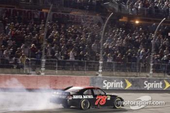 Race winner Regan Smith, Furniture Row Racing Chevrolet celebrates