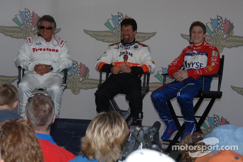 Conférence de presse avec Mario Andretti, Michael Andretti et Marco Andretti