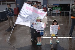 A young fan club for Marco Andretti
