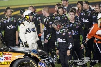 Winner Carl Edwards, Roush Fenway Racing Ford celebrates