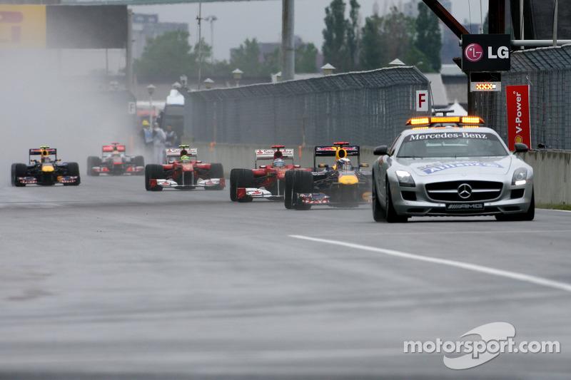 Себастьян Феттель, Red Bull Racing, за пейс-каром