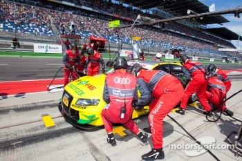 Pit stop for Martin Tomczyk, Audi Sport Team Phoenix Audi A4 DTM