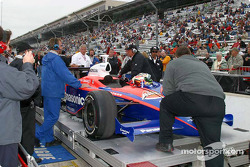 Kosuke Matsuura's car goes through inspection