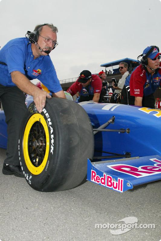 Les membres de l'équipe Cheever Racing