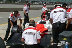 Helio Castroneves' crew prepare for practice