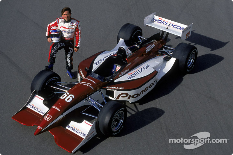 The return to Indy cars in 2001 wasn't an immediate success but Alex was inching closer to the sharp end of the grid throughout the season.