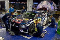 Des mécaniciens de Sébastien Ogier, Julien Ingrassia, Volkswagen Polo WRC, Volkswagen Motorsport