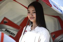 Chica de Ducati Corse