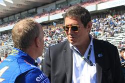 Командний менеджер Signatech Alpine Team Manager Філіпп Сено, Gerard Neveu, генеральний директор FIA WEC Жерар Невьо