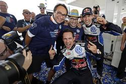 Sébastien Ogier, Julien Ingrassia, Volkswagen Polo WRC, Volkswagen Motorsport ve Sven Smeets, Volkswagen Motorsporları Direktörü