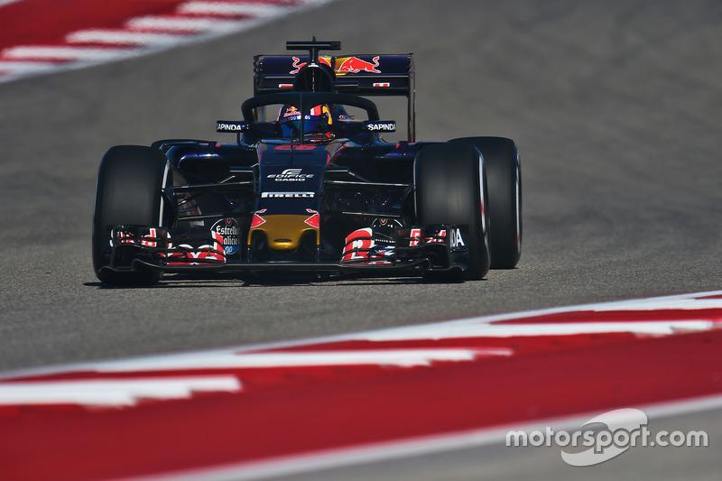 Daniil Kvyat, Scuderia Toro Rosso STR11, con el Halo 2