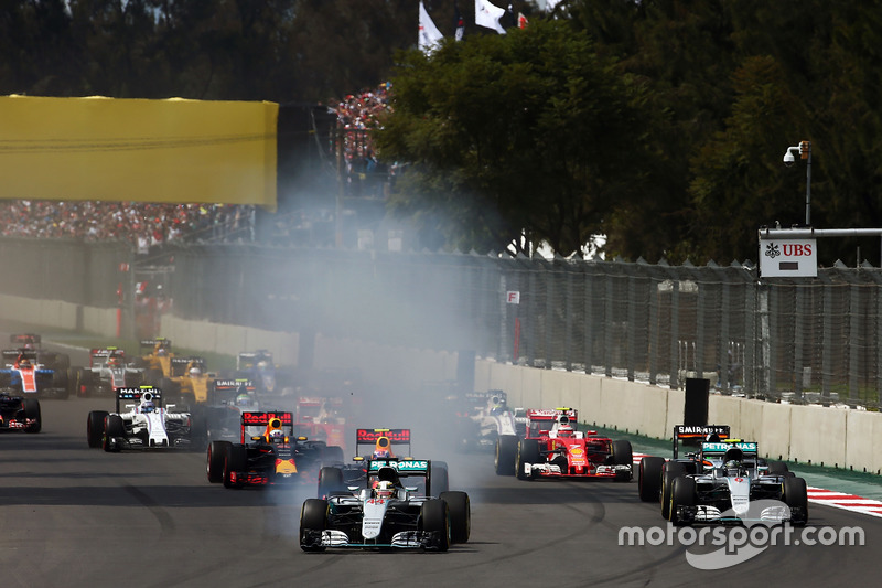 """""""Os carros se classificariam no sábado, como de costume, para a primeira corrida e ela definiria o grid para a segunda prova, que iria agitar as coisas, com carros mais leves e mais rápidos."""""""