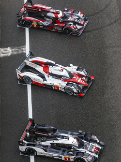 #1 Porsche Team Porsche 919 Hybrid: Timo Bernhard, Mark Webber, Brendon Hartley; #5 Toyota Racing Toyota TS050 Hybrid: Anthony Davidson, Sébastien Buemi, Kazuki Nakajima; #8 Audi Sport Team Joest Audi R18 e-tron quattro: Lucas di Grassi, Loic Duval, Oliver
