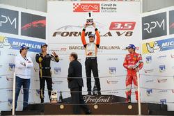 Том Дильман, AVF; Рой Ниссани, Lotus; Пьетро Фиттипальди, Fortec Motorsports, и Адриан Валлес