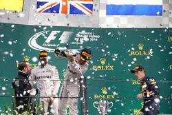 Подіум: Друге місце Ніко Росберг, Mercedes AMG F1
