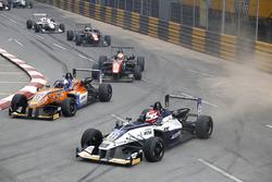 Pedro Piquet, Van Amersfoort Racing Dallara Mercedes et David Beckmann (GER) kfzteile24 Mücke Motorsport Dallara Mercedes