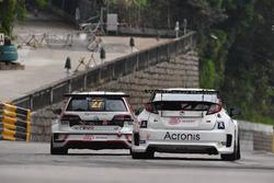 William O'Brien, TeamWork Motorsport, Volkswagen Golf GTI TCR; Mikhail Grachev, WestCoast Racing Honda Civic TCR