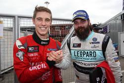 James Nash, Craft Bamboo Racing, SEAT León SEQ und Stefano Comini, Leopard Racing, Volkswagen Golf GTI TCR