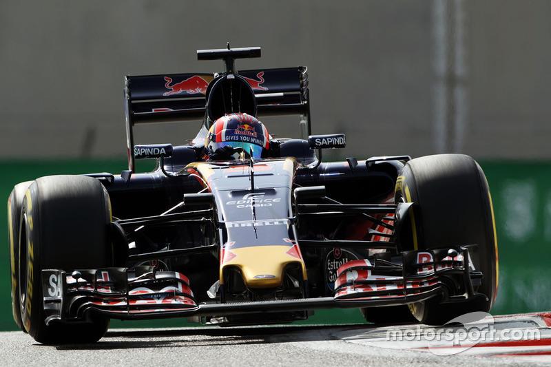 17. Daniil Kvyat, Scuderia Toro Rosso STR11